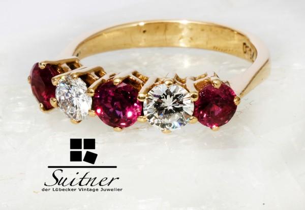 5 Stein Ring mit 1,68ct. Taubenblut Rubin und Brillanten 750 Gold Handarbeit