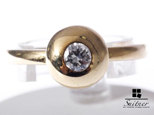 moderner Brillant Ring aus Gold - Weißgold VSI - Kugel Rund Design Solitär