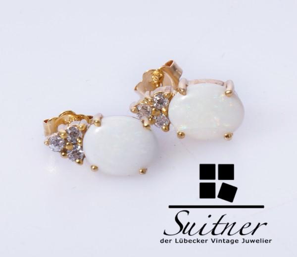 traumhafte Opal Ohrringe mit Steinbesatz aus 585 Gold ovales Design