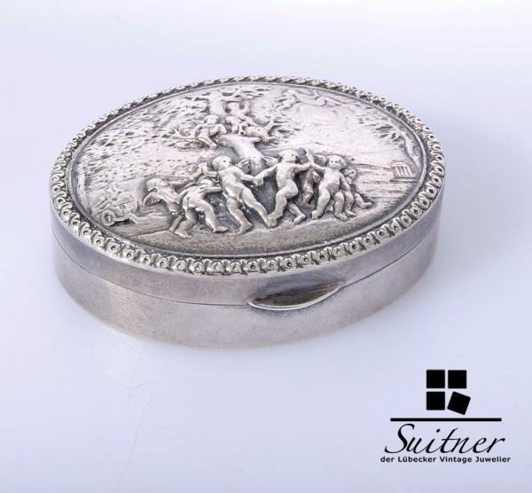 Kleine Pillendose mit Amorettendekor - 925er Silber - um 1900