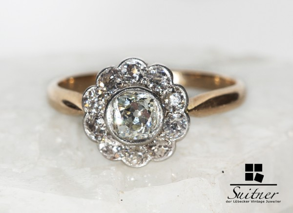 Entourage Ring zus.ca. 1,00 ct. Diamant