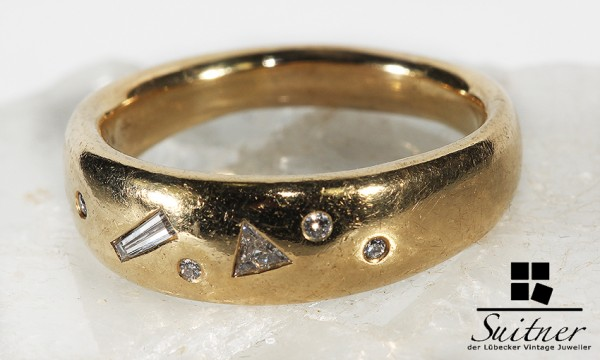 Luxusring aus 750 Gold mit verschiedenen Brillanten und Diamanten Sternenhimmel