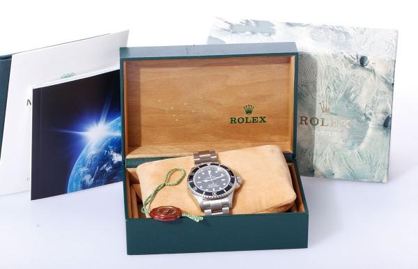 Rolex Sea Dweller NOS Ref. 16600 Baujahr 1993 mit Papieren Vintage Revision
