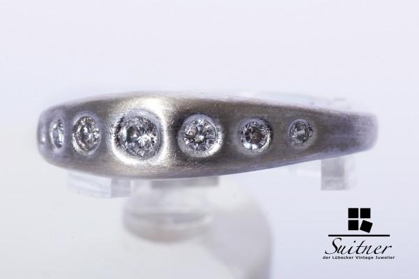 moderner Brillant Ring zus. ca. 0,17ct 585 Gold Gr. 54 Bandring mattiert