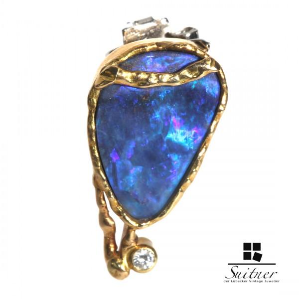 Design Anhänger mit Boulder Blue Opal aus Gold mit Brillant