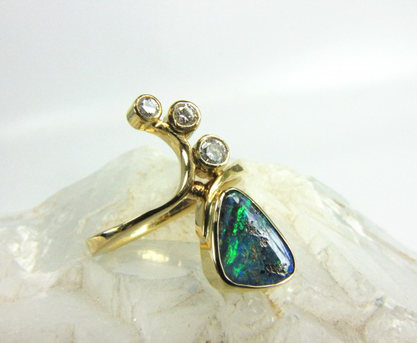 feiner Boulder Opal Design Ring 750 Gold mit Brillanten Top Farben