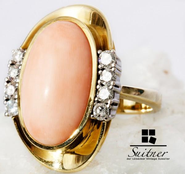 Ring mit großer Mittelmeer Engelhaut Koralle und 0,82ct. Brillanten 585 Gold