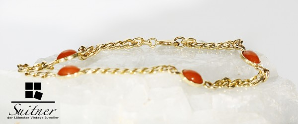 feines Gold Armband mit Korallen Cabochons Bracelet with Coral