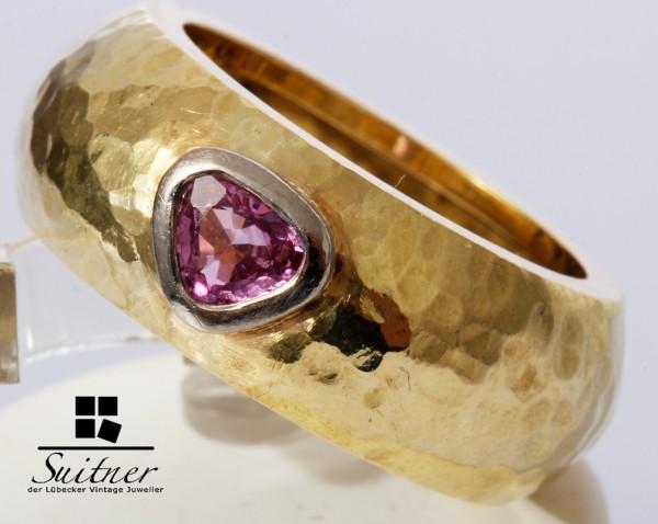 großer Ring 750 Gold pinker Saphir gehämmert Handarbeit Nugget
