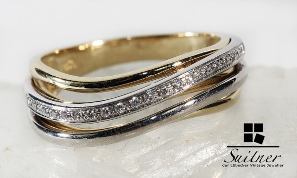 moderner Ring im Wellendesign mit Brillanten aus Gold