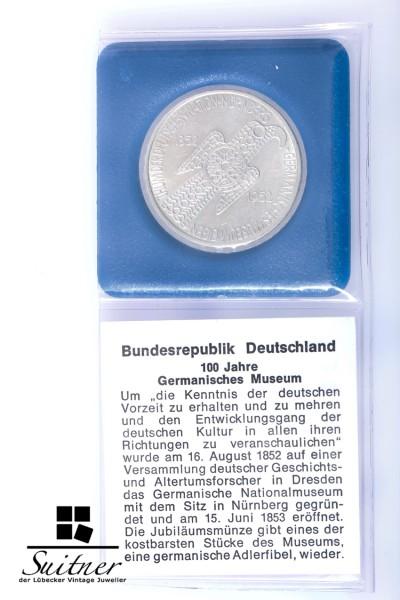 5 DM Germanisches Museum 1952 Prägestätte D SS - VZ Silber