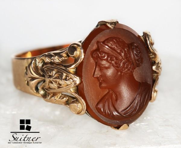Ring roségold mit Karneol Gemme im Stile des Klassizismus