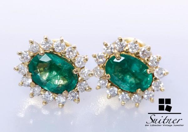 wertvolle Smaragd Brillanten Ohrstecker 750 Gold Klassiker in toller Farbe