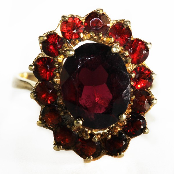 Böhmischer Granat Ring mit Top roten Steinen aus Gold Gr 53 Art Deco
