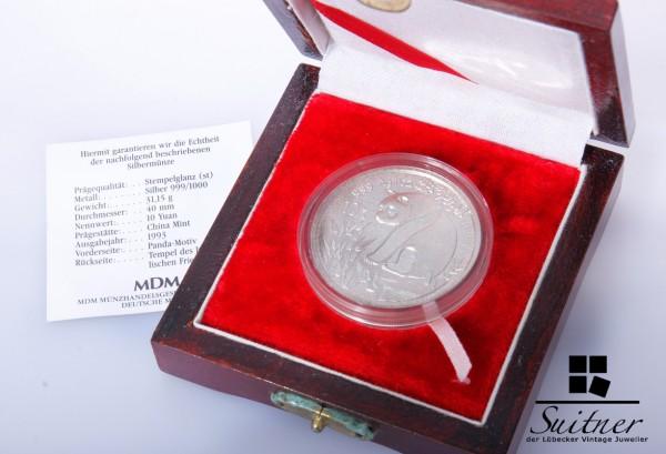 Silbermünze Panda 10 Yuan 1 Unze Feinsilber Stempelglanz Box und Kapsel