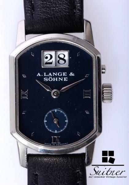Lange & Söhne Arkade Weißgold mit Box Papiere Großdatum 103.027