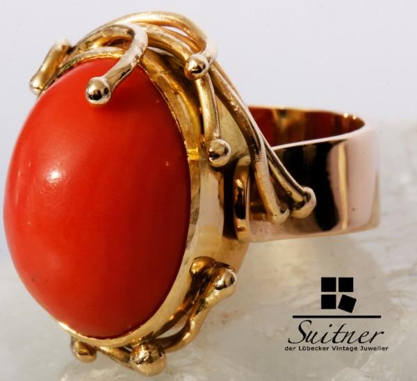 Ring mit Mittelmeer Koralle Unikat 585 Gold intensive Farbe florales Design