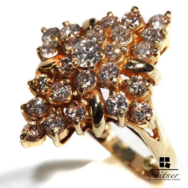 großer 1,72ct. Brillanten - Design Cluster Ring aus 750 Gold