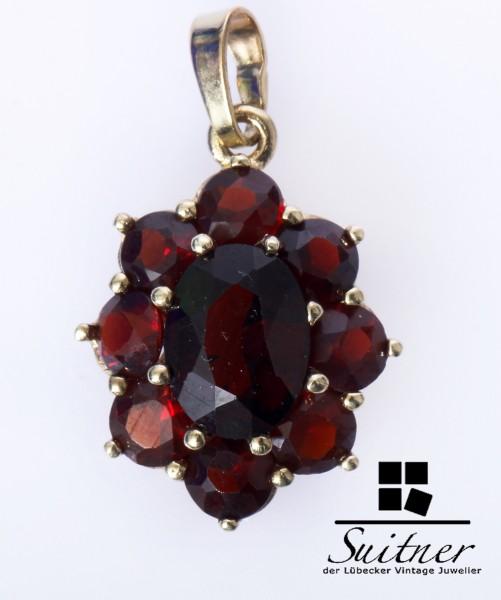 antiker Granat Anhänger aus Gold Blütenform Bohemia Böhmisch Rot