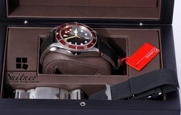 Tudor Black Bay Full Set LC100 - 3 Bänder Rot 79220R 2017 Tresoruhr
